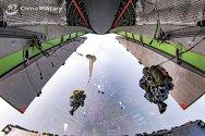 Y20-parachuting.jpg